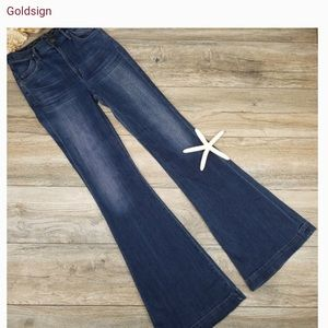 GOLDSIGN wide flare Grace Jeans 25 (never worn)